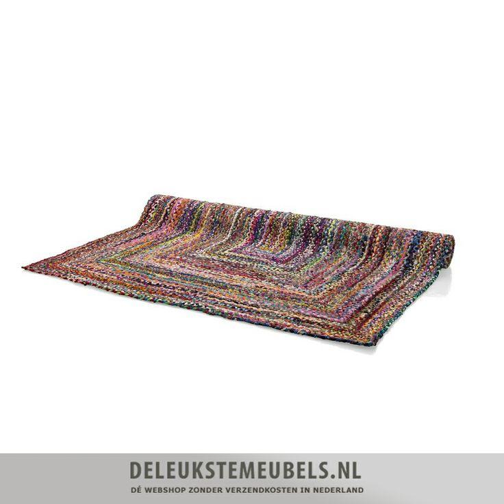 Dit hippe handmade karpet Funky van Youniq decorations koop je zonder verzendkosten online bij deleukstemeubels.nl. Snel leverbaar!