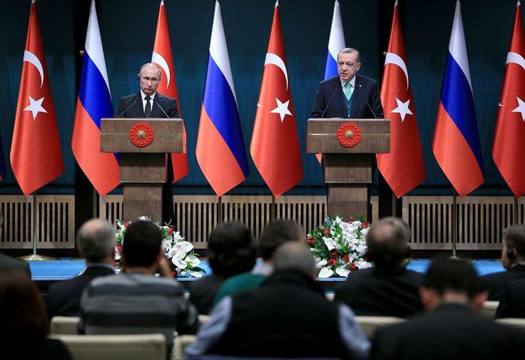 قالالرئيس التركي رجب طيب أردوغان، إنه سيلتقي نظيره الروسي فلاديمير بوتين مرة أخرى في سوتشي الروسية بأقرب وقت ممكن لبحث المسألة السورية، مؤكدًا أنهما