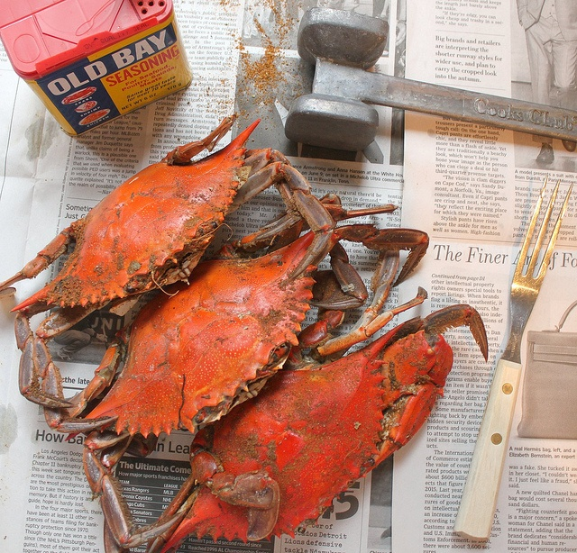 Steamed Crabs with Old Bay Seasoning. Love that they are on top of a ...