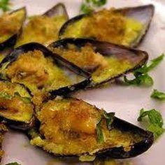 Ricetta per la realizzazione di un delizioso piatto di cozze gratinate. Su Fresco Pesce, il primo magazine completamente dedicato al mondo ittico!