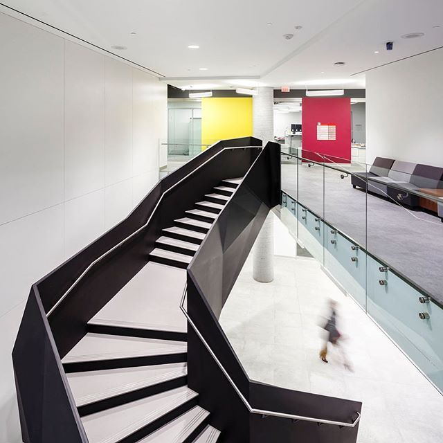 @ZASArchitects collaborated with York University and the Lassonde School of Engineering to design a bold headquarters for the Bergeron Centre for Engineering Excellence, which eliminates lecture halls and dark offices in favor of open, collaborative learning environments. : Doublespace Photography. @sandow #architecture #interior #design #interiordesign #staircase #university #educational #college