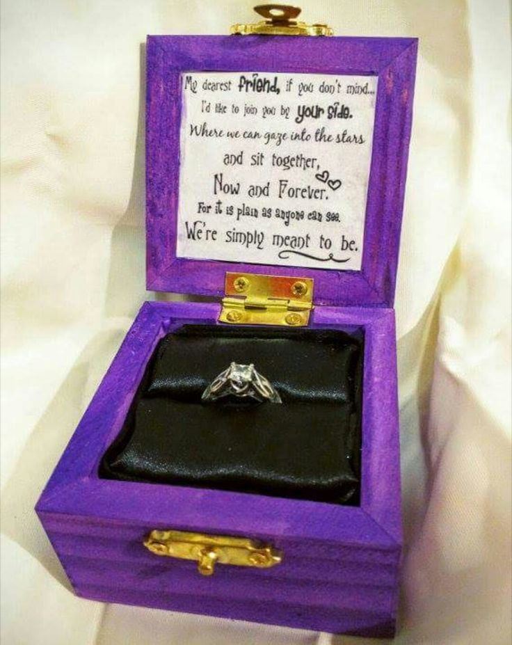 I want to be proposed to with this box and my birthstone ring