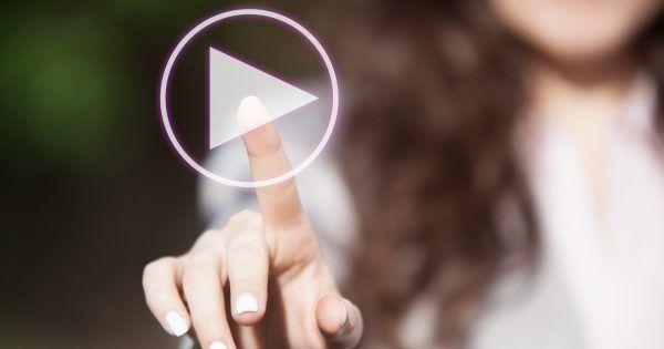 ¿No te has animado a subirte al carro de la emisión de contenidos en streaming y la creación de vídeo nativo? En un mundo en el que las narrativas audiovisuales y el storytelling enamoran a las audiencias, ignorar el potencial del vídeo implica que tu pequeño... #publicidad #socialmedia #streaming