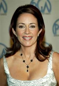 Patricia Heaton, Epsilon-Ohio State  She currently stars as Frankie Heck on the ABC sitcom The Middle.    Awards won: Outstanding Lead Actress in a Comedy Series Emmy for Everybody Loves Raymond in 2000 and 2001, Q Award (Quality Television Awards) Best Actress in a Quality Television Series in 1999 and 2000.