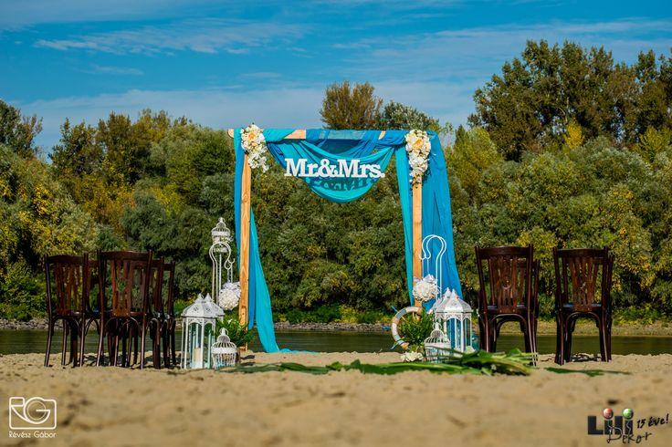 """Nem csak divat a #"""" Mr & Mrs """" kiírás. Mivel sok a vegyes házasság. az angol nyelvterületről érkező vendégeknek kifejezetten jól esik, hogy rájuk is gondoltatok."""