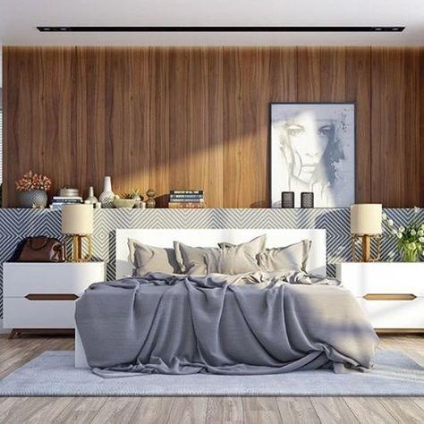 Quarto de casal elegantemente despretensioso e que esbanja estilo !! Repare na linda cabeceira estampada... A madeira forra a parede. Objetos de decoração dispostos em cima da cabeceira, trazem personalidade ao ambiente. #interiordesign #madeira #quartodecasal #design #interiores #iluminação #tendência #designdeinteriores #mesadecabeceira #criadomudo #instadesign #instadecor #designlovers #quarto #ambientação #decoração