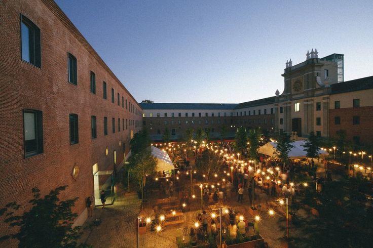 Terraza y cine de verano... El Cuartel del Conde Duque se transforma este verano | Calle Conde Duque, Madrid