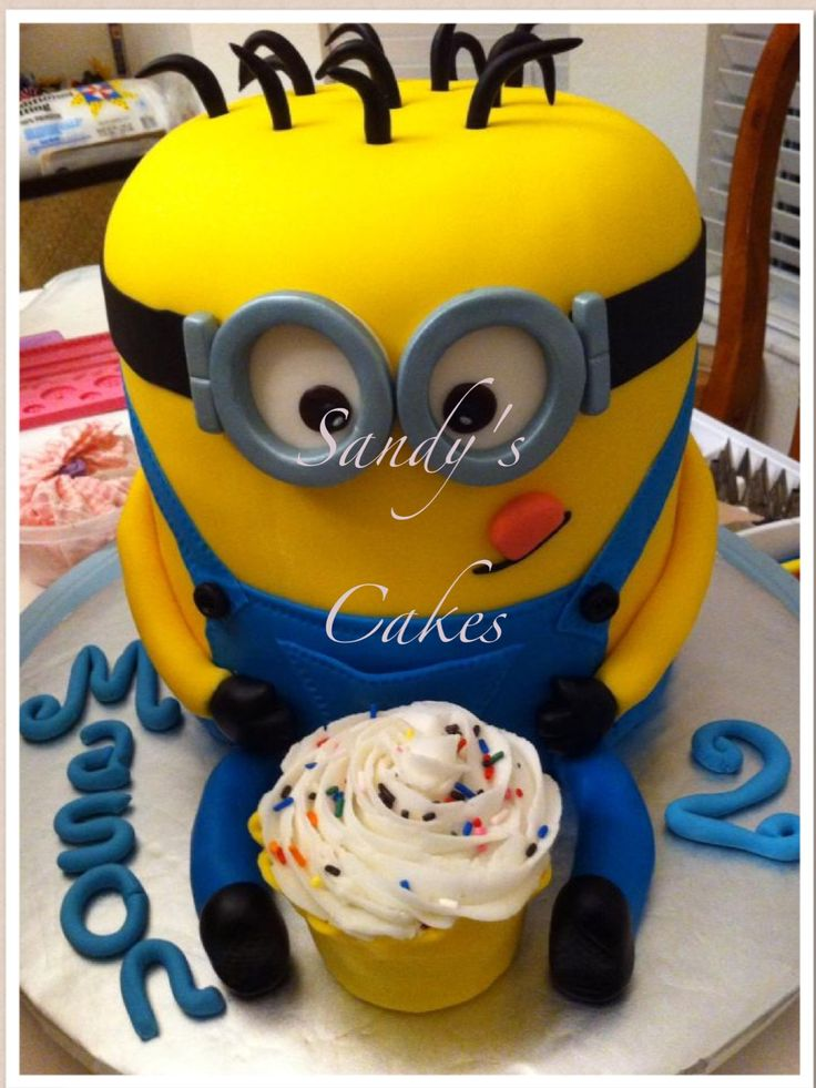 17 Best ideas about Minion Cake Decorations on Pinterest ...