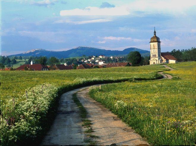 Village des Fourgs - Clocher Comtois - My Haut-Doubs, passion Tradition-Vie locale