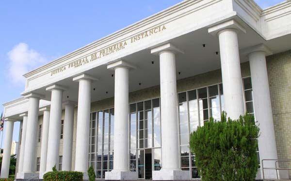 A Justiça Federal na Paraíba irá leiloar, nos próximos dias 10 e 24 deste mês, inúmeros imóveis no estado, entre eles prédios do hotel Ouro Branco e colégio Geo, localizados no bairro de Tamb