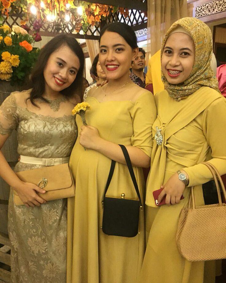Mini yellow dripped dress