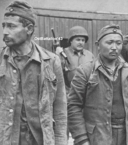 Soldados del OstBattalion-43, prisioneros del ejército de EE.UU. seguramente el Día D o inmediatamente después.