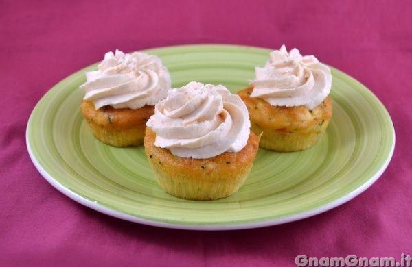 • Petit gâteau salé au saumon