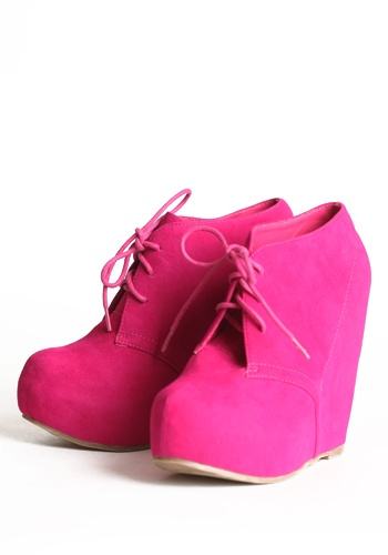 Loooooove these!Fashion, Style, Hot Pink Wedges, Pink Heels, Oxfords Shoes, Wedges Shoes, Wedges Booty, Pink Shoes, Oxfords Wedges