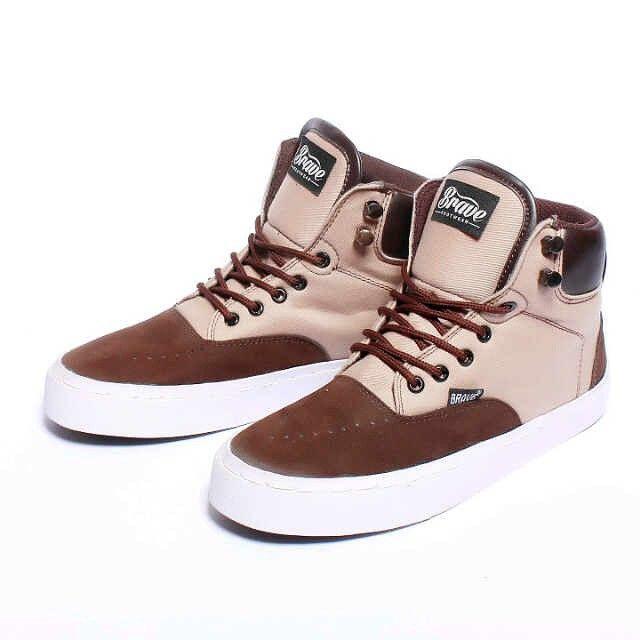 Brave Drome Boots, Warna: Cream Brown, Size : 40-44 Untuk Pemesanan Online Kunjungi : www.rockford-footwear.com *Gratis pengiriman ke seluruh Indonesia Email: contact@rockford-footwear.com Pin :...