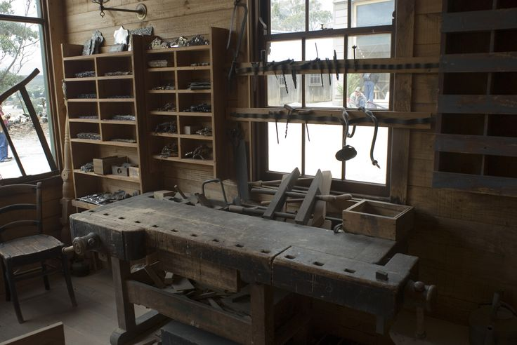 carpenter workbench -