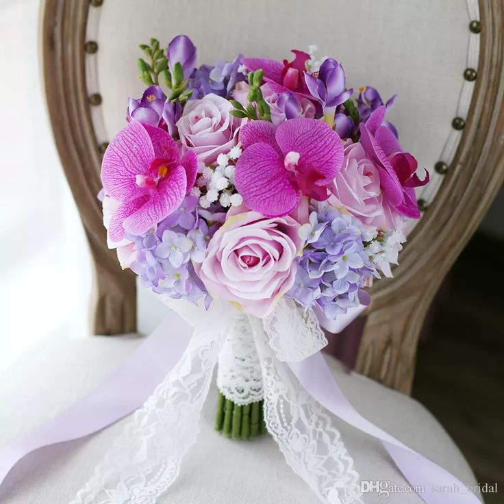 Purple Bridal Bouquets 2017 Rose Hydrangea Phalaenopsis Lace Touching Artificial Bridesmaid Wedding Supplies Bride Holding Brooch
