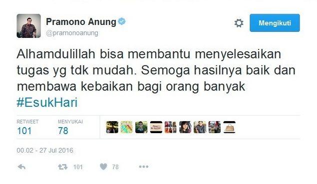 """Sinyal """"Reshuffle"""" dari Kicauan Pramono Anung  [portalpiyungan.com] Sekretaris Kabinet Pramono Anung memberikan sinyal akan terjadinya """"Reshuffle"""" kabinet pemerintahan Jokowi-JK. """"Alhamdulillah bisa membantu menyelesaikan tugas yg tdk mudah. Semoga hasilnya baik dan membawa kebaikan bagi orang banyak #EsukHari"""" cuit @pramonoanung Rabu (27/7) dini hari pukul 00.02 WIB. Presiden Joko Widodo dikabarkan akan mengumumkan perombakan kabinet jilid 2 hari ini Rabu (27/7). Aroma reshuffle kabinet…"""