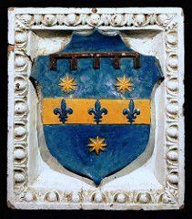La terracotta robbiana raffigurante lo stemma della famiglia del Giocondo (renzodionigi) Tags: ceramics heraldry terracotta dellarobbia araldica stemmi