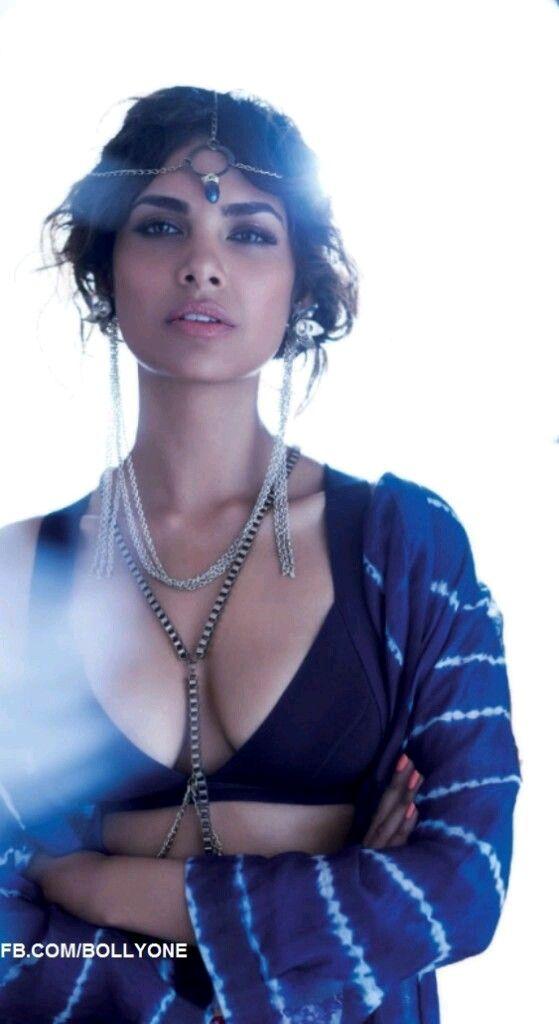 Sexy Unseen Indian girls pic: Esha gupta latest bikni photos