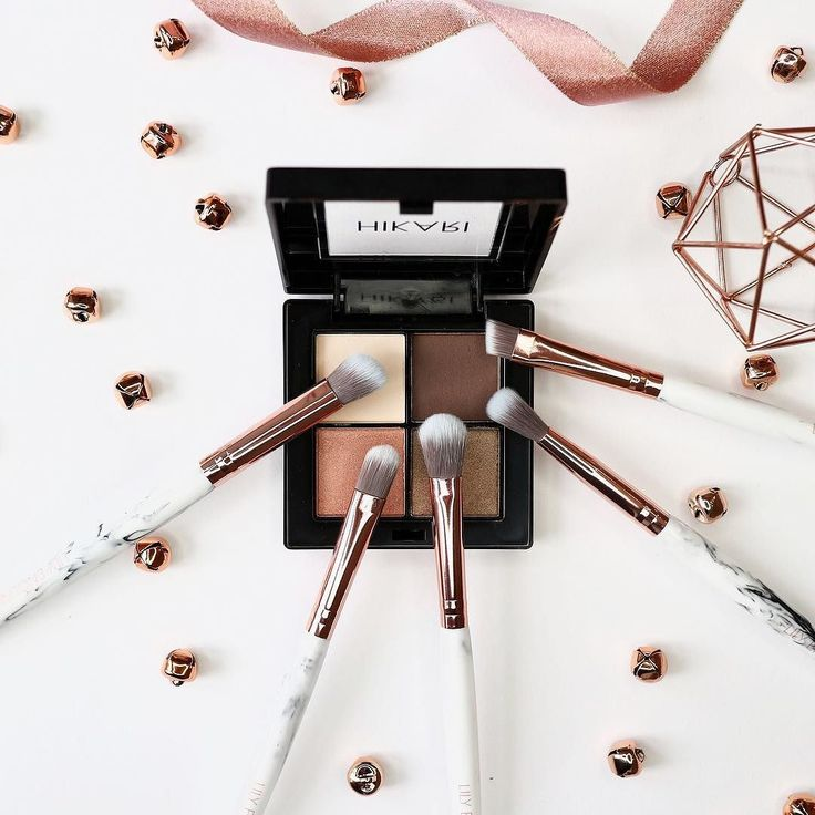 How gorgeous is our Marble Eye Makeup Brush Set?!