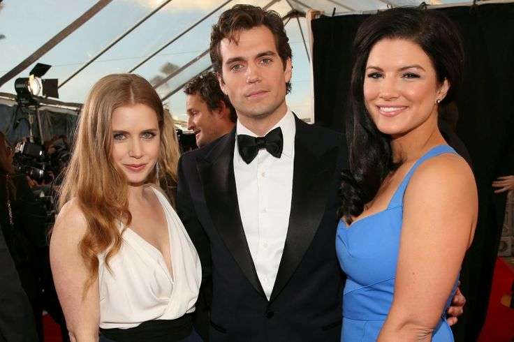 Henry with Amy and Gina | Henry Cavill super cute hot ...