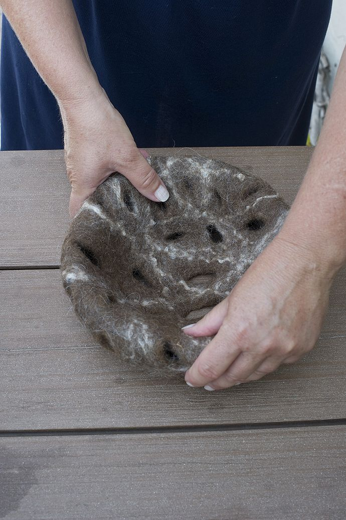 #felt Design Judith Byberg Ball made of felt with carded Bergschaf wool natural brown, bamboo tops link. Photo Del Piano Navone. https://sites.google.com