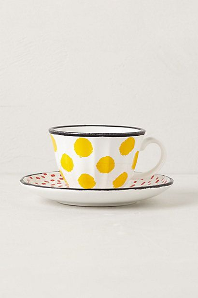 I love the yellow polka dots.... makes me want to throw a tea party.