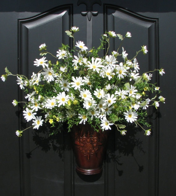 Flower Hanger For The Front Door Love The Cheerful White