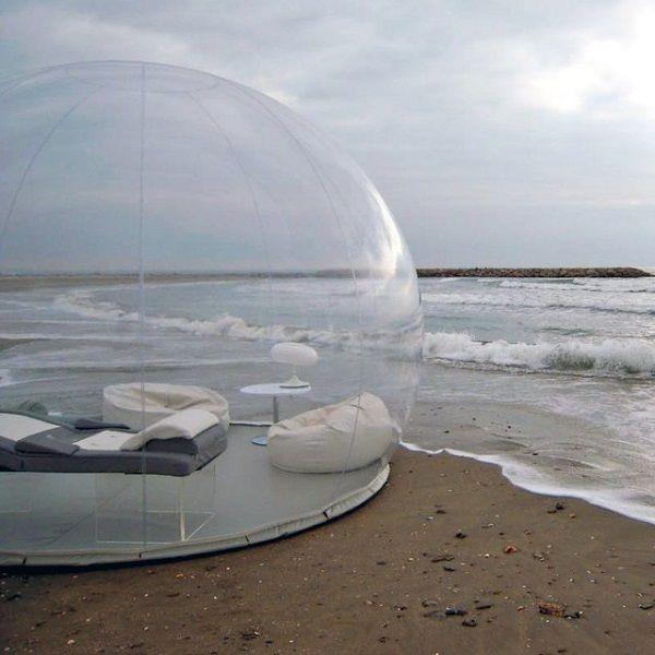 開放感バツグン!?自然とひとつになれるバブルテントが気になる  バブルテントはスケルトン素材でできていて、なんと外の景色が丸見え!