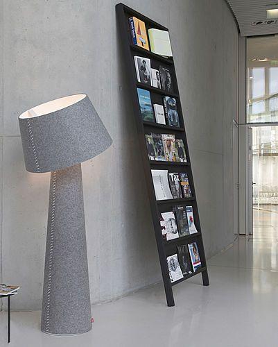 La serie de la iluminación de Alicia de la marca de fábrica alemana Moree del diseño crea una atmósfera nórdica acogedora de la iluminación: La luz pendiente, las luces derechas del XL y las luces de la tabla se cosen en una capa del fieltro del gris....