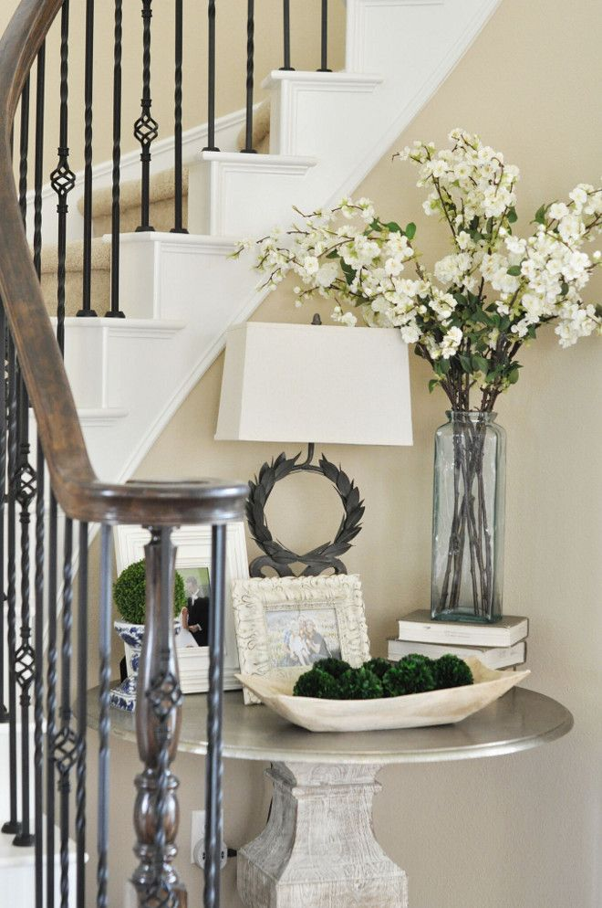 Foyer Decor. Easy Ideas for Foyer Decor. Spread love around your home by displaying your favorite family photos. Foyer Decor #FoyerDecor Home Bunch's Beautiful Homes of Instagram @thegracehouse