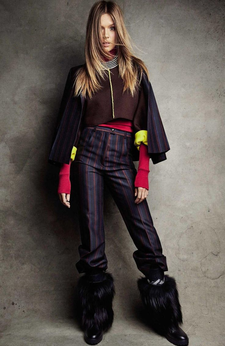 Bella Moda Di Ria: Josephine Skriver Arrives in Style for Her Amazing Fashionable Ski Trip in Vogue Spain`s January 2017 Edition.