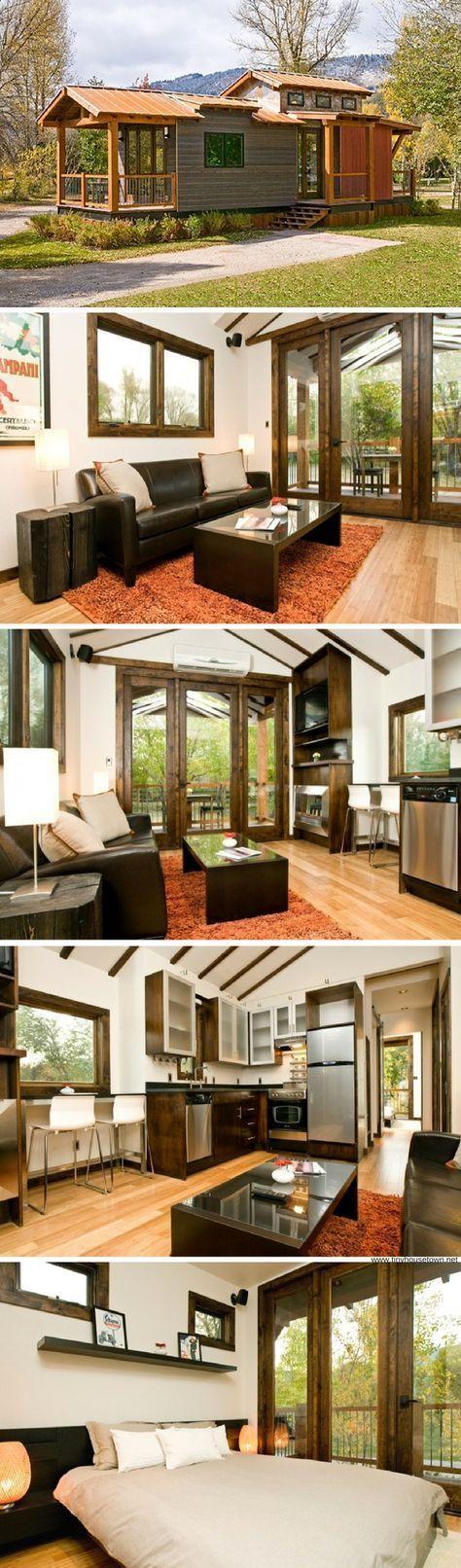 The Caboose: a 400 sq ft park model home #fachadasminimalistas