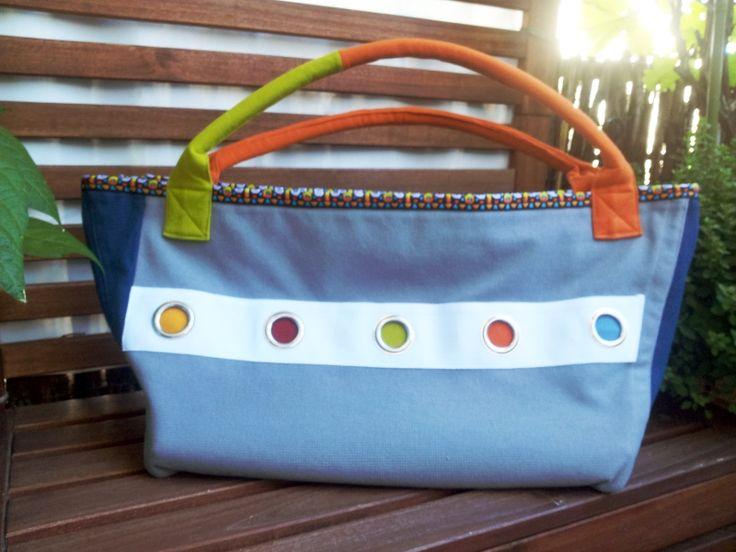 tolle Shopper, Umhängetaschen, Handtaschen, Upcycling Taschen; viele Unikate, Einzelstücke auch passend zum Lagenlook aus robusten Materialien auf www.taschenbyme.de