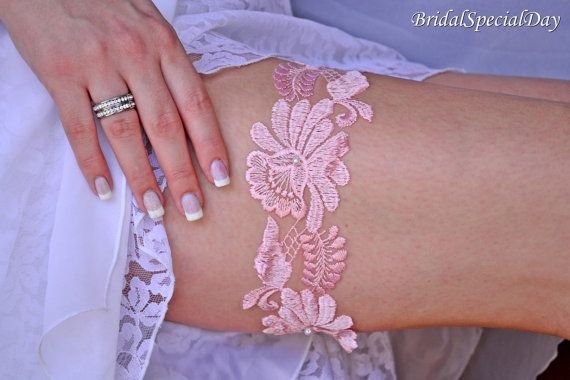 Pink Lace Wedding Garter Set Bridal Garter by BridalSpecialDay, €20.00