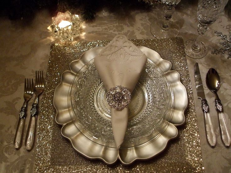 gorgeousHoliday, Decor, Christmas Tables Sets, Tablescapes, Beautiful Places, Dining, Places Sets, Christmas Ideas, Elegant Tables Sets