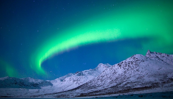 I love this in SO many ways: Norway, northern lights, winter, luminosity, blues and greens... ! Photo: Antony Spencer.