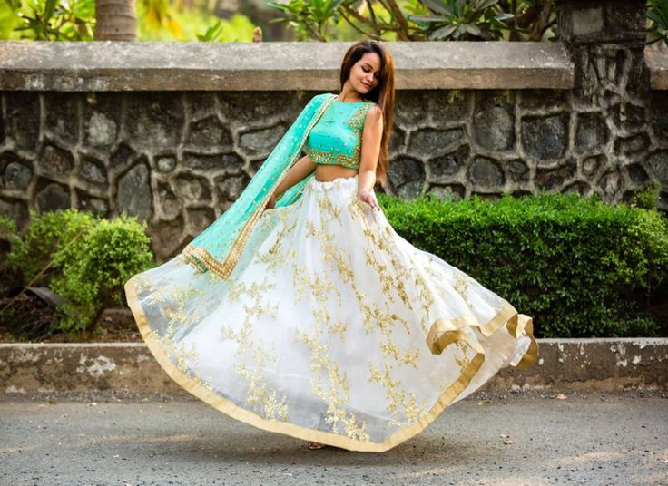 https://keepmestylish.com/2017/07/top-8-online-stores-rent-indian-designer-clothes/