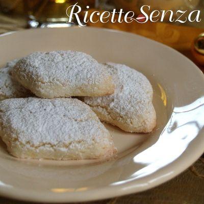 Ricciarelli senza uova latte e glutine http://www.ricettesenza.it/le-ricette/item/148-biscotti-speziati-al-miele-senza-glutine.html