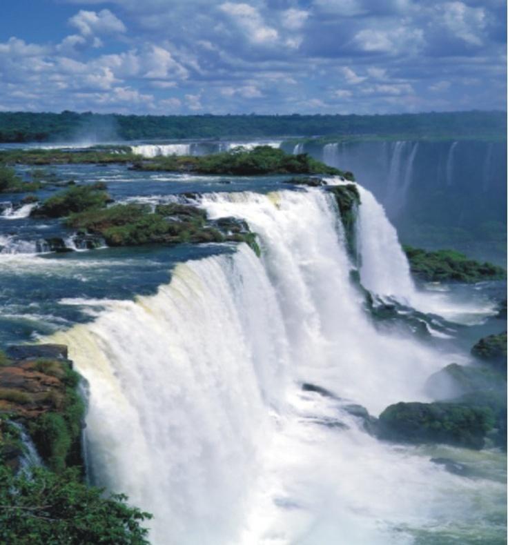 Cataratas de Iguazu, Brazil. (1985)