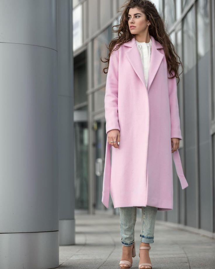 Мы считаем, что в такую погоду вам не обойтись без красивого, согревающего пальто! Поэтому быстро к нам, пока есть последние модели😱 • Верх - 100% шерсть • Подкладка - 60% вискоза 40% шёлк  По вопросам, заказам и примеркам набирайте 📲 050 444 97 79 или 063 155 19 36  #juliapomoshko #clothes #coat #madeinukraine #fashion #streetstyle #streetfashion #follow #instalike #fashionblog #instastyle #style #stylish #design #model #girl #fashioninsta #instafashion #fashionblogger #lookoftheday…
