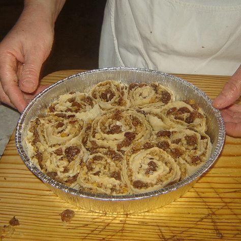 La ricetta tradizionale della Pitta 'Nchiusa o Pitta 'Mpigliata Calabrese