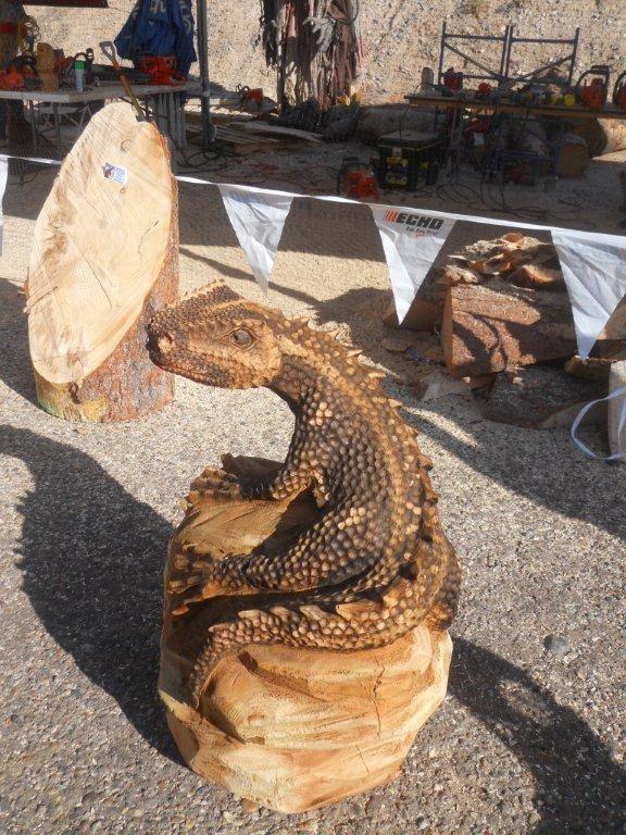 lizard.. wood carving