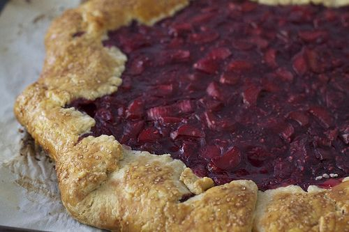 Rhubarb Raspberry Crostata | sugar mountain treats recipes | Pinterest