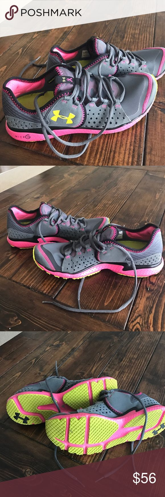 Under Armour tennis shoes Lightly worn Under Armour tennis shoes. Worn maybe 5 times before I had a baby and now they are to small. Super cute shoes! Under Armour Shoes Athletic Shoes