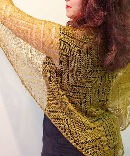 Ravelry: Cormier Grille Shawl pattern by Natalie Servant