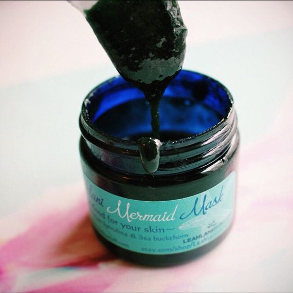 Ce masque est super pour votre peau. Avec le miel cru hawaïen, spiruline hawaïenne, Chlorella, argousier, luminess algues et de 15 plantes.