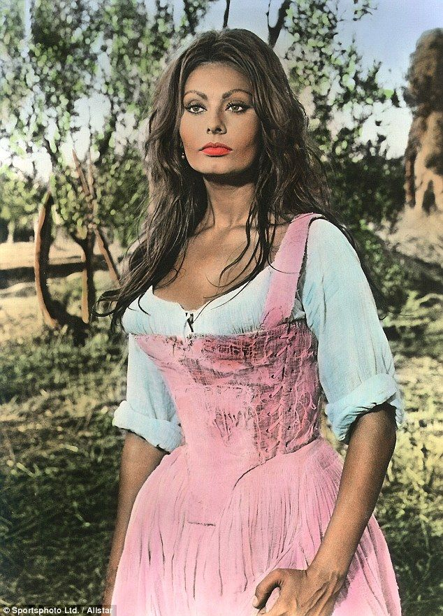 Sophia Loren Was Pressured To Have Surgery As A Young
