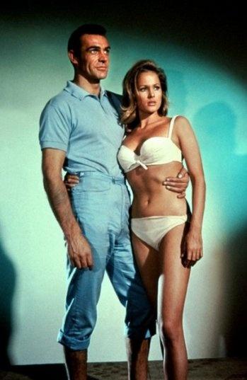 Ursula Andress - Portfolio. Les plus célèbres James Bond Girls - ParisMatch.com